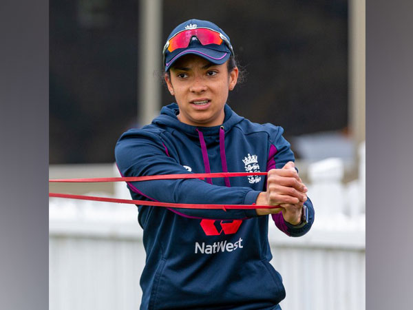 Sophia Dunkley receives her first Women's Central Contract