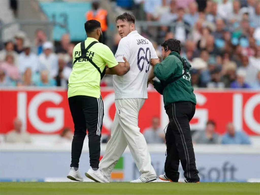 IND vs ENG 4th Test 2021: Jarvo 69 is back, this time he invades the pitch at Oval